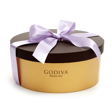 Sweet Dreams Deluxe Chocolate Gift Box