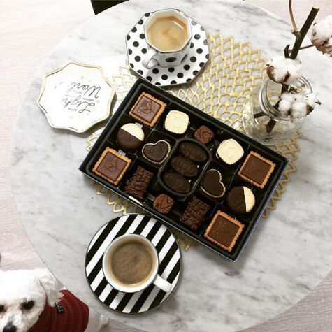 Assorted Chocolate Biscuit Gift Box, 36 pc.