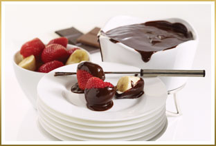 Chocolate Covered Strawberries with GODIVA Chocolate Fondue