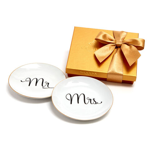 Mr & Mrs Dessert Plates with Assorted Chocolate Gold Gift Box, 19 pc.