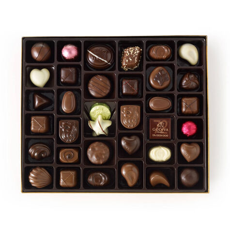 Assorted Chocolate Gold Gift Box, Classic Ribbon, 140 pc.